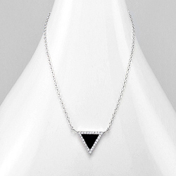 Collier Design Triangle Noir Serti de Diamant CZ Blanc