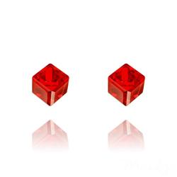 Clous d'Oreilles Cube 6MM en Argent et Cristal Rouge Light Siam