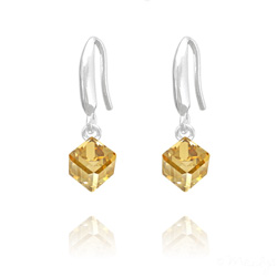 Boucles d'Oreilles en Cristal et Argent Boucles d'Oreilles Cube 6MM en Argent et Cristal Champagne