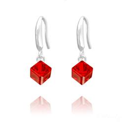Boucles d'Oreilles en Cristal et Argent Boucles d'Oreilles Cube 6MM en Argent et Cristal Rouge Light Siam