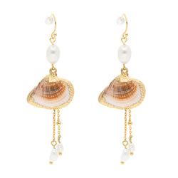 Boucles d'Oreilles dorées perle d'eau douce et Coquillage