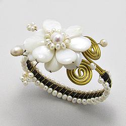 Bracelet Fleur de Nacre et Perle d'Eau Douce